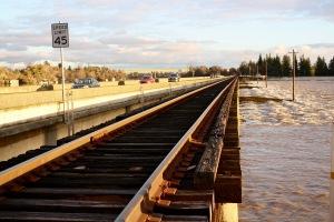 sac-weir-and-sn-rail-tracks